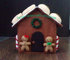 Decorated Felt Food Gingerbread House (Lit'l Brown Bird) Tags: feltro filz vilt feltri feltre fieltro filt kee feltchristmas pls merasa klobuevina mendonin