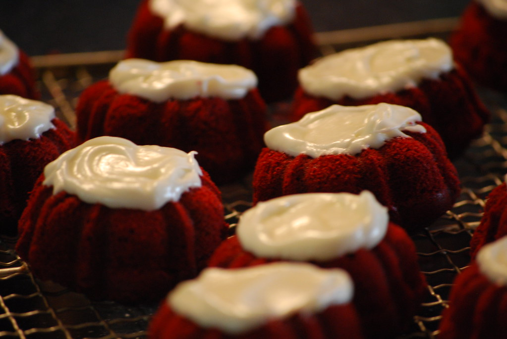 Red Velvet mini-bundt cakes