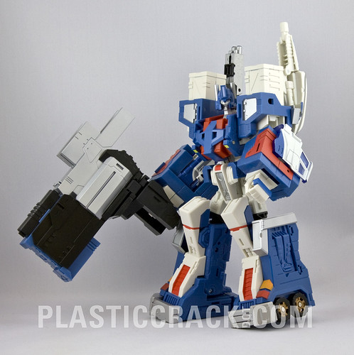 The real Classics Ultra Magnus!