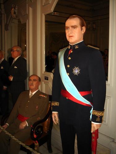 Francisco Franco(links) und Juan Carlos I. (rechts)