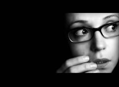 ..ach..da war doch noch was!? (moroxen) Tags: bw me self glasses d mo sw selbstportrait picnik intelligent selfie onblack photographia 50faves bwgallery platinumphoto visiongroup celebritieshalloffame ysplix betterthangood platinumportrait kubrickslook womenexpression vision100 moroxen thelanguageofphotography wasichdawohlgesehenhabe etwasfarblos achjaichbinkurzsichtig blindwieeinmaulwurf meinletzterwillewarneguccibrille stimmtmitbrilleschauichstrengaus undschlauer achichweishabvergessenkontaktlinsenzubestellen vierguck mowacker