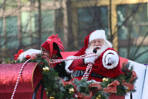 Vancouver Christmas Parade.Rogers Santa Claus Parade In Vancouver 2010