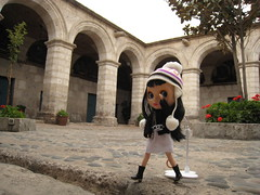 Convento Santa Catalina (Suedehead) Tags: camera peru doll blythe rement goldie coca arequipa 2009 santacatalina