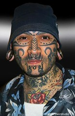 Tattoo Show: Tribal Fan (stuartheir) Tags: face tattoo tribal convention piercings gauges lobes earpiercing facetattoo fullbodytattoo tribaltattoos