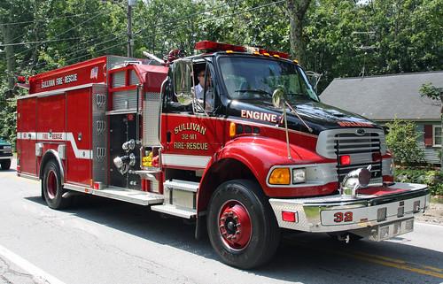 Sullivan, NH 32 Engine 1 (2003 Sterling EVM)