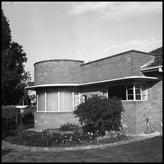 Post-war Art Deco Persistence (heritagefutures) Tags: art architecture fuji moderne pro deco fujica fujinon streamline albury caffenol gw690 160s caffenolc f3590mm