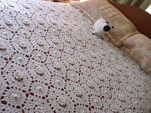 Antique Bedspread in 4ply yarn