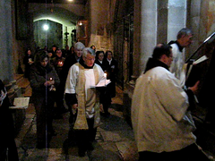Jerusalem - Church of the Holy Sepulchre - Procession (*Checco*) Tags: santa city church greek israel video peace christ jerusalem jesus middleeast monk monaco holy chiesa passion pace christianity procession cristo messiah orthodox viadolorosa churchoftheholysepulchre pilgrimage holyland golgotha città calvary judea passione israele gerusalemme calvario gesu holycity sepulchre golgota processione terrasanta mediooriente messia churchoftheresurrection viacrucis pellegrinaggio sepolcro cristianesimo cittàsanta giudea chiesadelsantosepolcro chiesadellaresurrezione