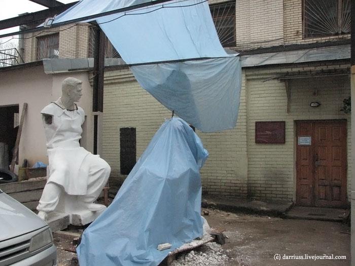 minsk_statue_restoration