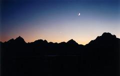 (mjblanchard) Tags: sunset moon mountains wyoming grandtetonnationalpark jacksonlake