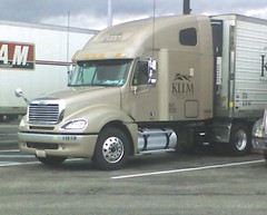 My shiny truck in Ohio this morning img602 (aortali1375) Tags: ohio shozu truck i80 broadviewheights kllm