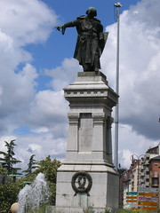 """Guzman Statue • <a style=""""font-size:0.8em;"""" href=""""http://www.flickr.com/photos/48277923@N00/2622987052/"""" target=""""_blank"""">View on Flickr</a>"""