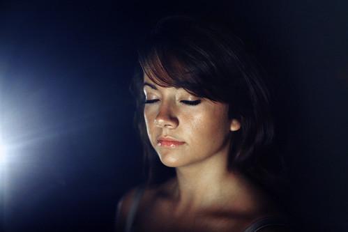 [フリー画像] 人物, 女性, 目を閉じる, 200807122300