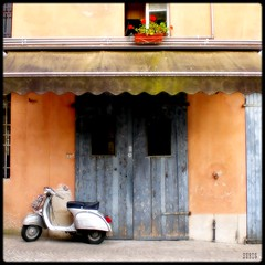 Pieces of another life (Shima Hitotsu) Tags: summer italy vespa chapeau friuli udine ghiacciaia abigfave aplusphoto vanagram