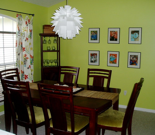 Green dining room color
