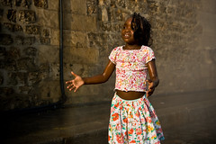 Paris Plages (017) - 21Jul-21Aug08, Paris (France) (°]°) Tags: portrait paris flower beach water fleur girl kid eau child 2008 enfant fille plage plages brumisateur atomizer parisplages