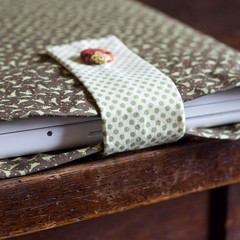 Birdie MacBook Sleeve
