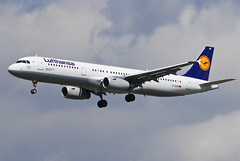 Lufthansa Airbus A321-231 D-AISN Göppingen (22506) (Thomas Becker) Tags: barcelona plane germany airplane geotagged deutschland airport nikon hessen frankfurt aircraft bcn airbus d200 tamron flugzeug lufthansa spotting fra 200500 fraport a321 rheinmain staralliance göppingen eddf aerotagged luftfahrzeug a321231 a321200 aero:airline=dlh aero:man=airbus aero:series=200 aero:model=a321 aero:airport=eddf 210708 110708 080824 aviationphoto geo:lat=50039323 geo:lon=8596877 daisn dazaa lh4451 aero:tail=daisn