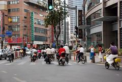 verkehr (traffic) in shanghai (frank schacht / photojournal-worldwide-exklusiv) Tags: china germany frank deutschland amazing shanghai traffic taxi fabulous verkehr wilhelmshaven schacht zhongguo frankschacht woaizhongguo