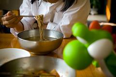 만화 '식객'의 그곳 - 오두산 막국수 (toughkidcst) Tags: food cuisine korea noodle 인형 음식 헤이리 게임 만화 경기도 맛집 마리오 허영만 파주 캐릭터 요시 막국수 문산 닌텐도 식객 moonsan 오두산 시츄에이션 예술마을