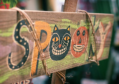 spooky (ginnerobot) Tags: halloween sign spooky traxfarms viewonblack