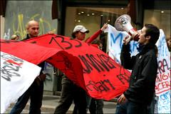 Manifestazione contro ddl Gelmini - Milano (ValeP_canon) Tags: milano università protesta scuola manifestazione corteo megafono cadorna statale scontri ddl gelmini legge133