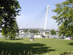 Pedestrian Bridge on the Rhine, 2007