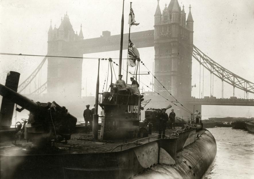 The Great War. First World War. German fleet surrendering to the English. First German U-boat near the Towerbridge. London, England, 1918.