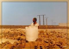 Mare di pietre (mareggiata) Tags: persone pietre marocco viaggio estero vacanze benimellal