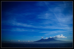 Il Vesuvio (Megara Liancourt) Tags: blue sea sky italy volcano naples vesuvio tistheseason blueribbonwinner golddragon vesuve sonyalpha100 mywinners aplusphoto cmwdblue colourartaward cmwdweeklywinner