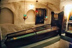 San Elias de Muron (abarrero2000) Tags: saint shrine monk holy orthodox kiev relics monje reliquien schrein reliquary urna moine reliquias lavra reliques chsse relicario reliquaire reliquienschrein