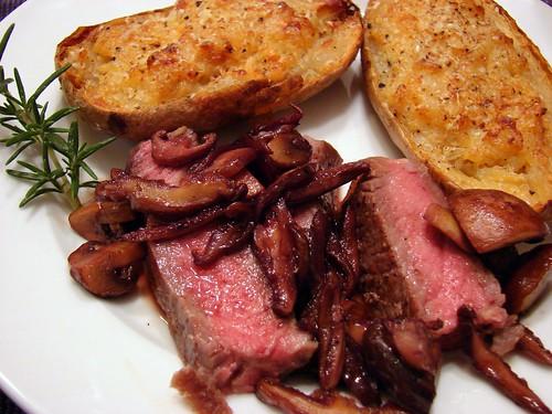 Dinner:  November 21, 2008