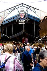 Anem al mercat (Berts @idar) Tags: barcelona calle mercado vacaciones crucero mercatdelaboqueria efs1855mmf3556 vidacotidiana catalua espaa canoneos400ddigital mercatde