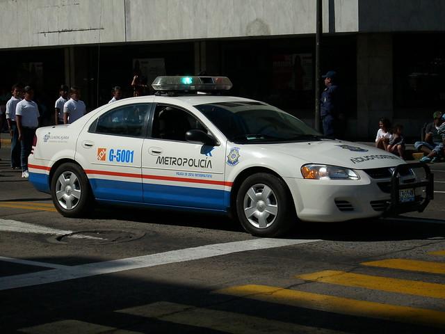 bus car volkswagen police dodge stratus patrulla polize