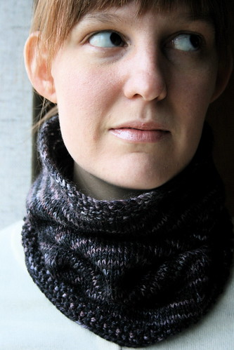 365-220 (yet another Gloria cowl)