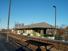 The Metra, River Forest commuter rail station. River Forest Illinois. January 2007.