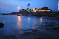 towards the night... (Maaar) Tags: lighting longexposure bali house seascape landscape restaurant friendship stones wave slowshutter coconuttree echobeach solbeach canggu canggubeach