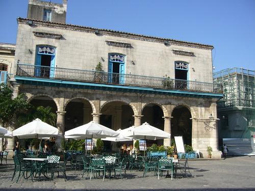 教堂廣場前的餐廳