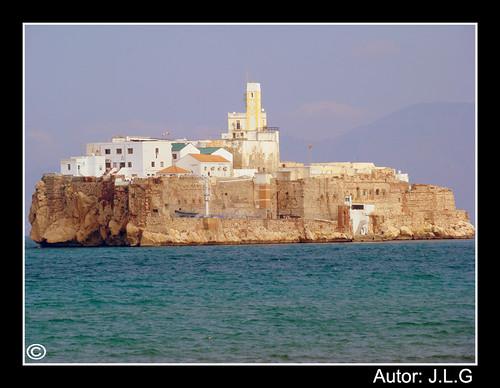 Peñón de Alhucemas, Isla Española frente a las costas Marroquí