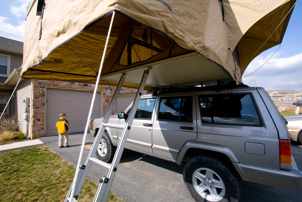 IMG_6824 (cshontz) Tags roof rooftop home jeep cole tent driveway cherokee simpson arb & The Worldu0027s Best Photos of rooftop and xj - Flickr Hive Mind