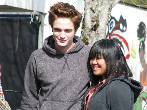 Edward/Robert and Mae in HQ 2 by ~Mae.