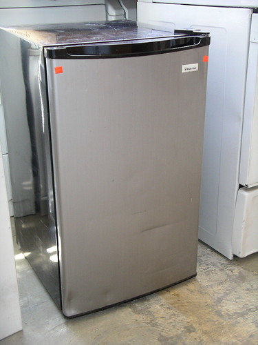 Apartment Size Refrigerators