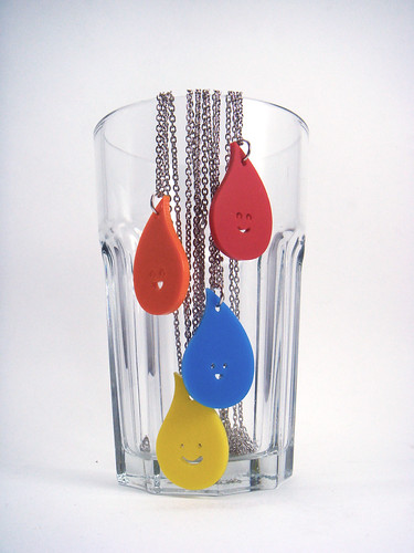 Water drop necklace by Sirena con Jersey