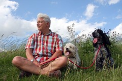 One man and his dogs (Linda Cronin) Tags: sky man max dogs boys grass relaxing spaniel resting cockerspaniel soe gromit crossbreed supershot flickrsbest mywinners 3waychallengewinner anawesomeshot 15challengeswinner motifdchallengewinner thatsclassy theperfectphotographer friendlychallenges rubyphotographer qualitypixels pregamewinner