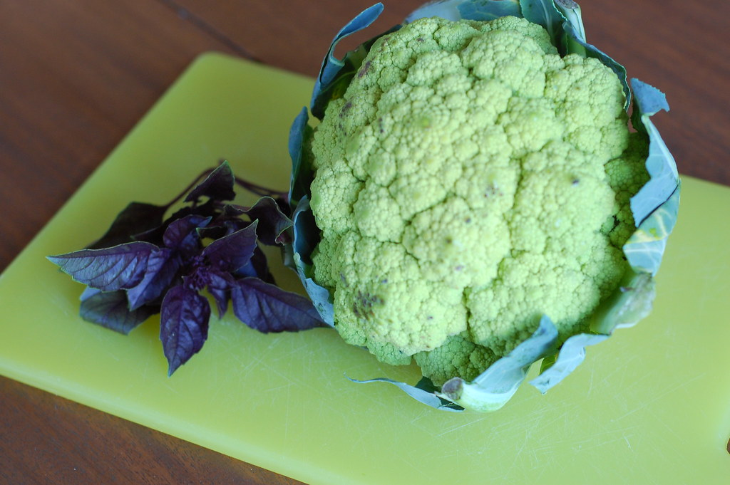 """... الصحراء: Cauliflower """"Couscous"""" with Basil-Lemon Sauce"""