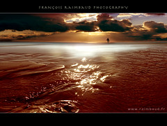 Sangra (Raimbaud) Tags: ocean sunset red sea people orange cloud sun reflection beach alone supershot 123sky platinumphoto anawesomeshot overtheexcellence rubyphotographer skyascanvas atqueartificia