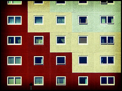 Tetris (itspaulkelly) Tags: red architecture buildings scotland pattern squares flats aberdeen blocks tetris iwmw iwmw2008 institutionalwebmanagementworkshop2008