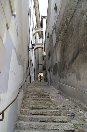 走過這階梯, 就到舊市區的盡頭了