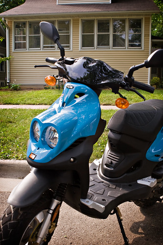 Moped-2