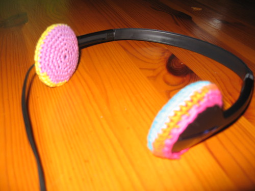 crochet headphone covers